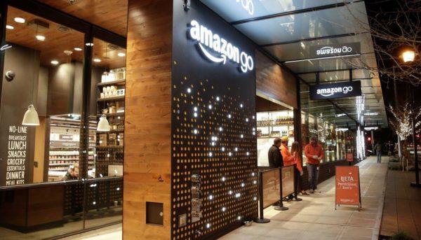 Компания Amazon готовит открытие магазина без касс и очередей