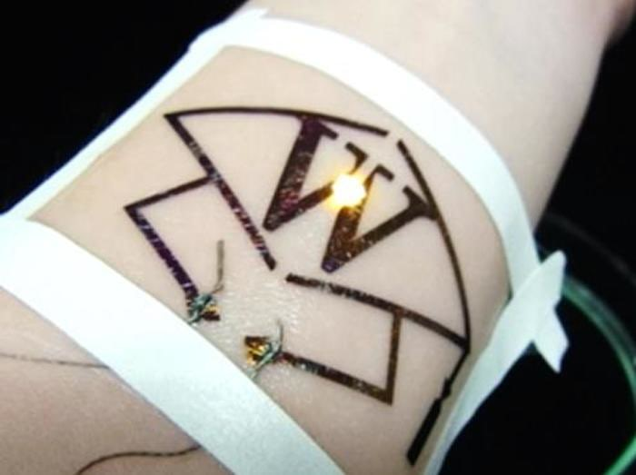 В Японии нашли новый метод нанесения электронных татуировок